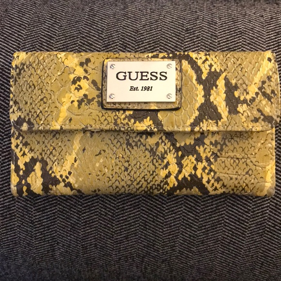 2/$10 Guess Snakeskin Pattern Wallet *Lowest Price